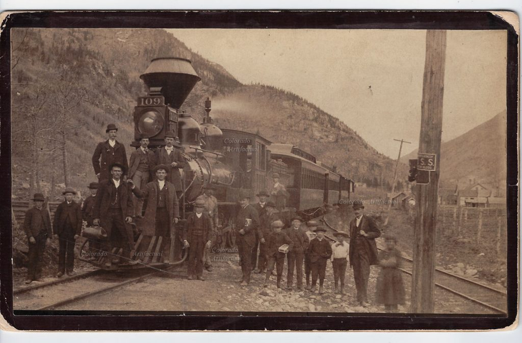 denver-south-park-pacific-engine-109-b